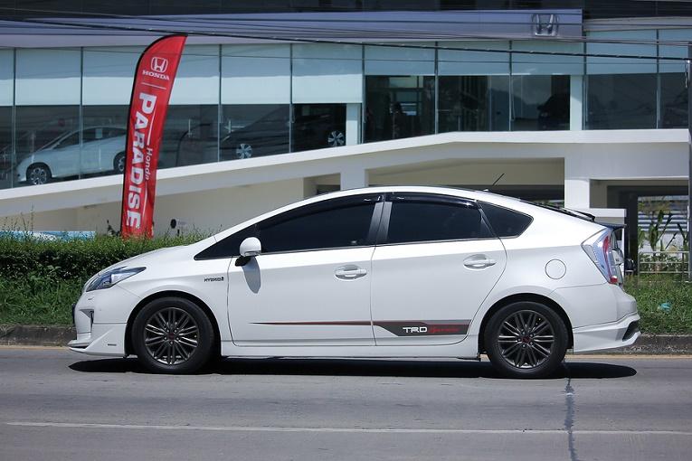 White hybrid car