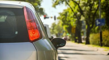 how can you best handle frustration when driving?